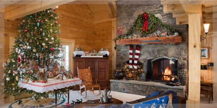 inside of a log home at christmas